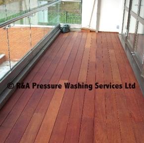 garden decking pressure washing