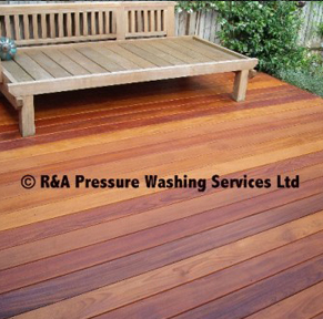 wooden decking pressure cleaning