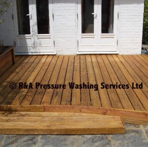 professional decking cleaners