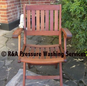 garden furniture cleaners