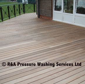 wooden decking cleaning London Buckinghamshire